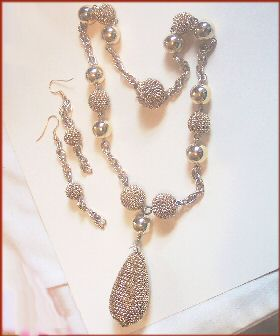 Vintage Chunky Mesh Necklace and Earrings Set