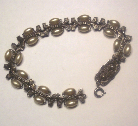 Antique Victorian Glass Pearl Bracelet