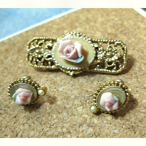 1928 Jewelry Co Porcelain Bar Pin and Earrings