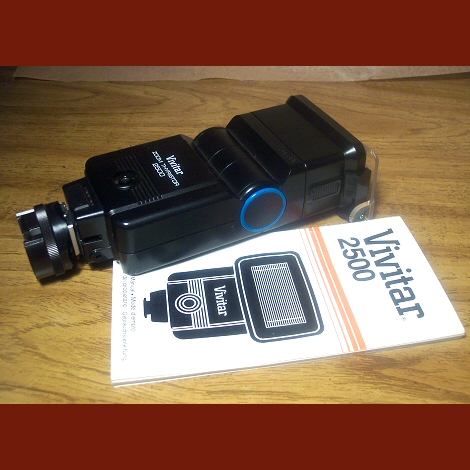 Vivitar 2500 Zoom Thyristor Electronic Flash and Manual